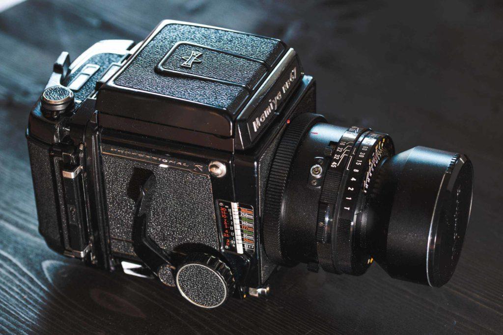 Mamiya RB67 mit Lichtschachtsucher